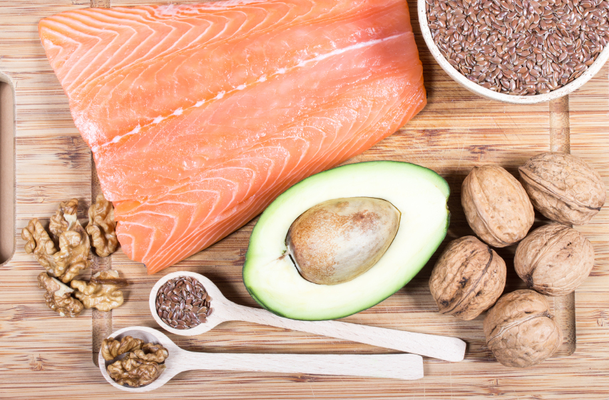Sources of omega 3 fatty acids: flaxseeds, avocado, salmon and walnuts
